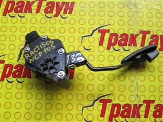 Педаль подачи топлива Toyota Ractis Уссурийск