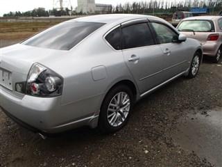 Стекло собачника Nissan Fuga Владивосток