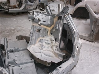 Крыло Mitsubishi Outlander Новосибирск
