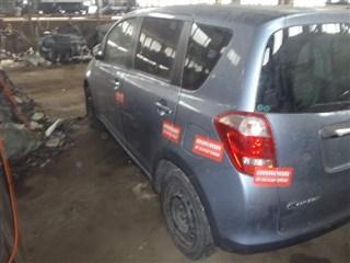 Стекло собачника Toyota Ractis Владивосток