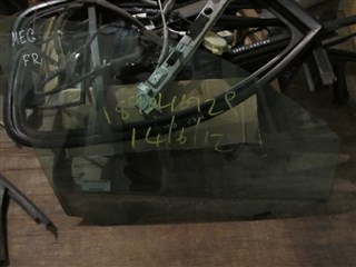 Стекло двери Renault Megane II Кемерово