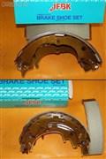 Тормозные колодки для Mitsubishi Delica Truck