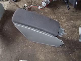 Бардачок между сиденьями Toyota Prius Владивосток