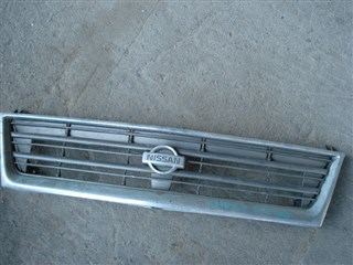Решетка радиатора Nissan Largo Владивосток