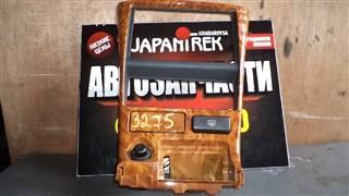 Консоль магнитофона Nissan Bluebird Sylphy Хабаровск