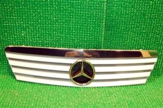Решетка радиатора Mercedes-Benz A-Class Новосибирск
