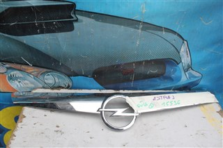 Решетка радиатора Opel Astra J Бердск