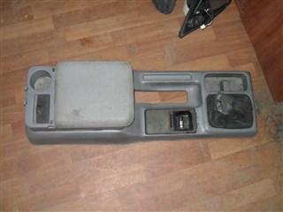 Бардачок между сиденьями Mazda Bongo Friendee Владивосток