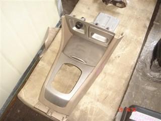 Консоль между сидений Honda Fit Aria Владивосток