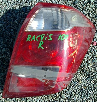 Стоп-сигнал Toyota Ractis Владивосток