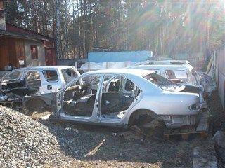 Стойка кузова средняя Mercedes-Benz E-Class Новосибирск