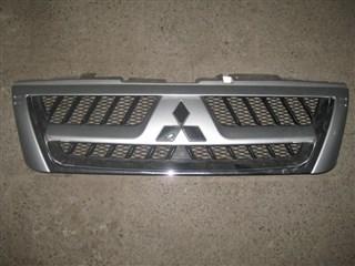 Решетка радиатора Mitsubishi Pajero Владивосток