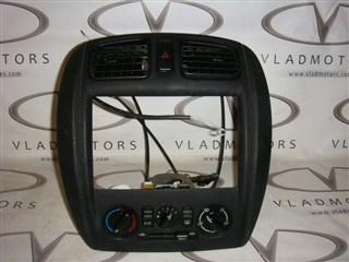 Консоль магнитофона Toyota Duet Владивосток