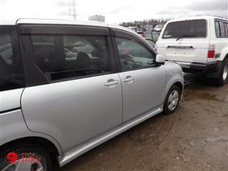 Стекло собачника Toyota Sienta Владивосток