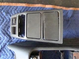 Консоль между сидений Mercedes-Benz M-Class Владивосток