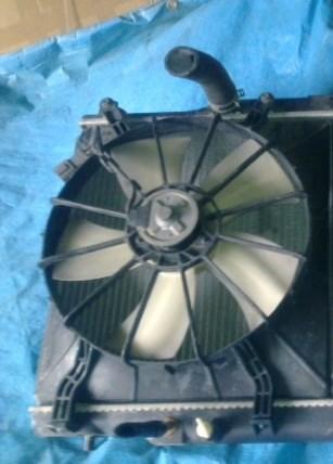 Диффузор радиатора Honda Stream Владивосток