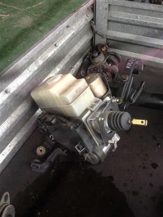 Главный тормозной цилиндр Lexus LX470 Владивосток