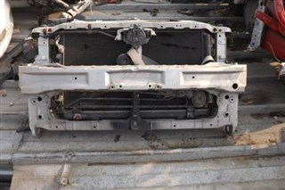 Рамка радиатора Mitsubishi Grandis Владивосток