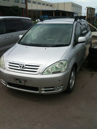 Ветровик Toyota Ipsum Новосибирск
