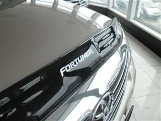 Ветровик капота Toyota Fortuner Владивосток