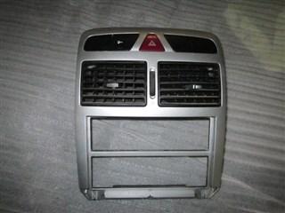 Консоль магнитофона Peugeot 307 Томск