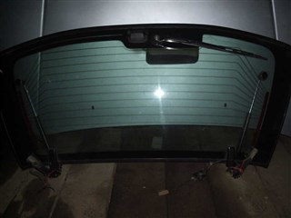 Стекло двери 5-й Nissan Avenir Salut Артем