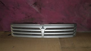 Решетка радиатора Mitsubishi Chariot Владивосток