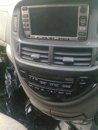 Магнитофон Toyota Estima Hybrid Владивосток