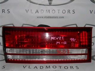 Вставка между стопов Toyota Mark II Qualis Владивосток