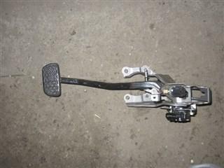Педаль тормоза Toyota Prius Уссурийск