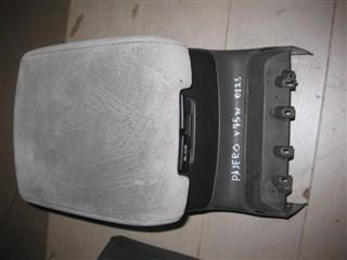 Бардачок между сиденьями Mitsubishi Pajero Владивосток
