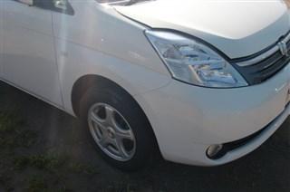 Фара Toyota Isis Владивосток