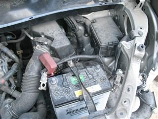 Крепление аккумулятора Toyota Voxy Владивосток