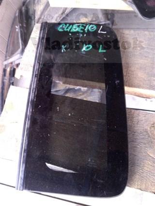 Стекло собачника Nissan Cube Владивосток