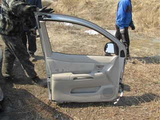 Дверь Toyota Raum Владивосток