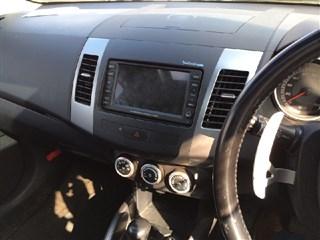 Магнитофон Mitsubishi Outlander Владивосток