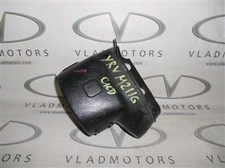 Кожух рулевой колонки Daihatsu Yrv Владивосток