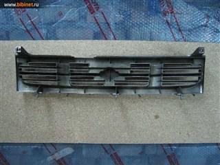 Решетка радиатора Nissan Prairie Joy Абакан
