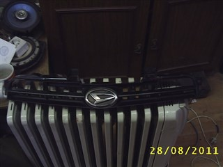 Решетка радиатора Daihatsu Yrv Владивосток